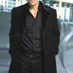 Классическое длинное мужское пальто из кашемировой шерсти чёрного цвета